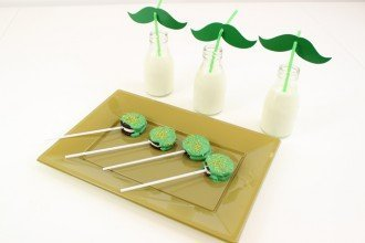 St Patricks Day Oreo Pops