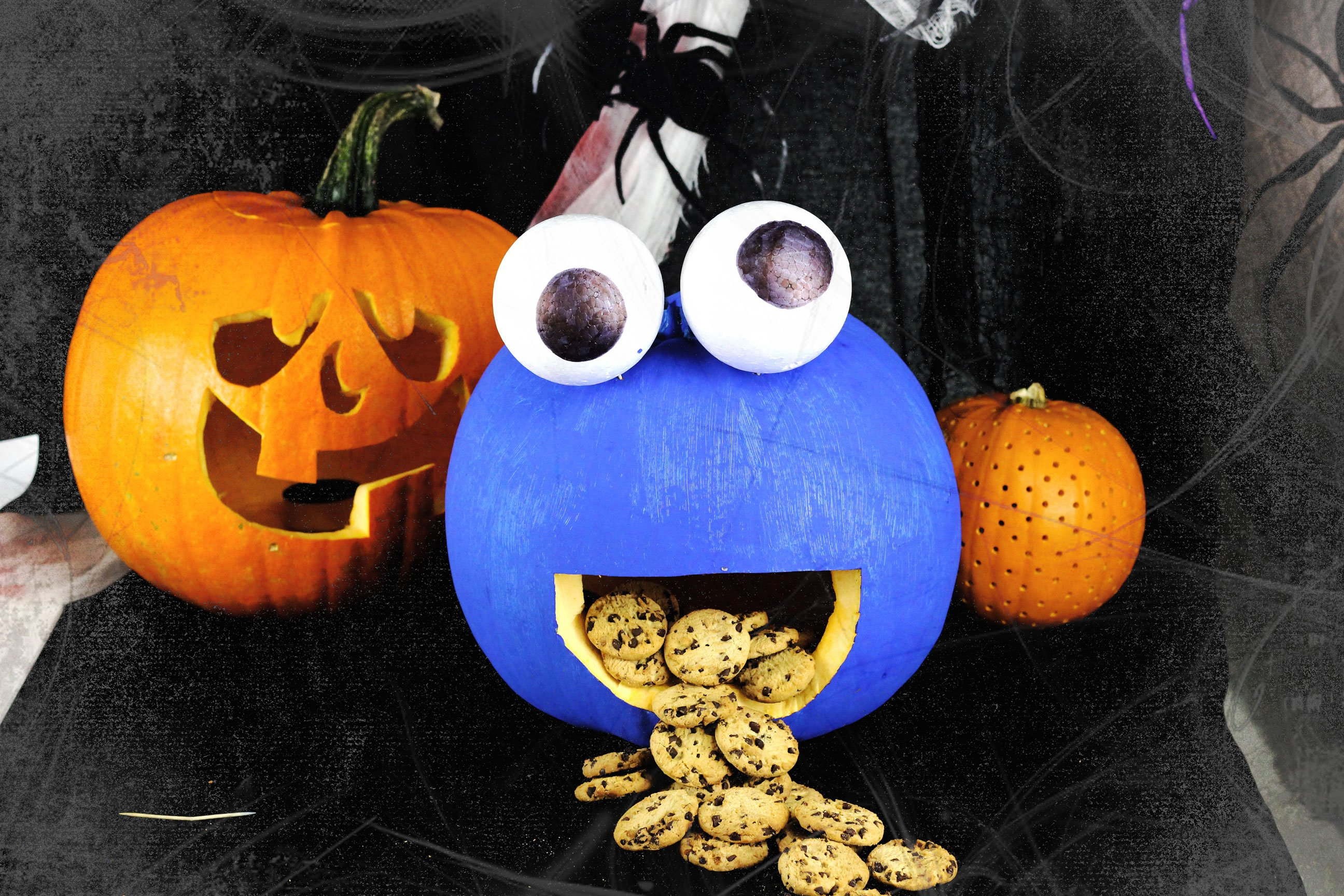 How to Make a Cookie Monster Pumpkin | Party Delights Blog