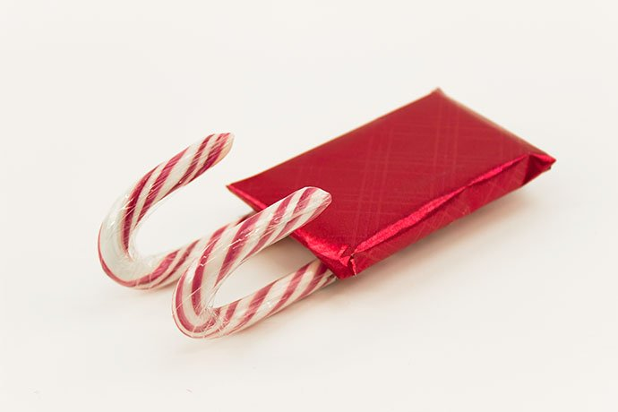 How to Make a Candy cane Sleigh Step 2