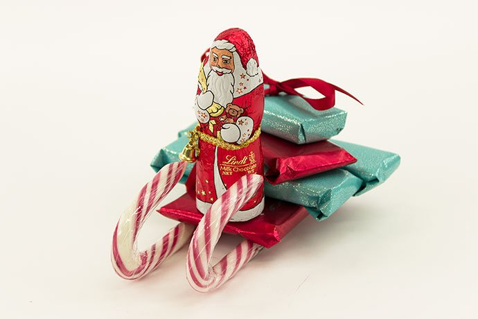 Make Your Own Candy Cane Sleigh