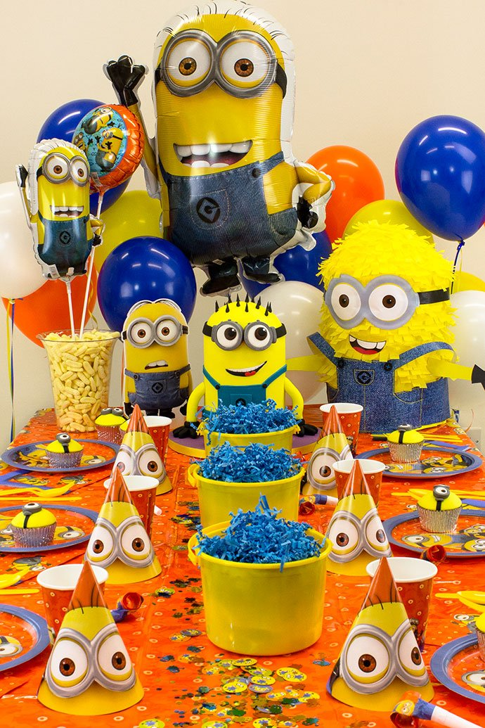 minion party ideas for kids party delights blog. Black Bedroom Furniture Sets. Home Design Ideas