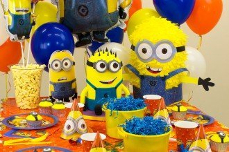 Minion Party Ideas - Minion Cupcakes