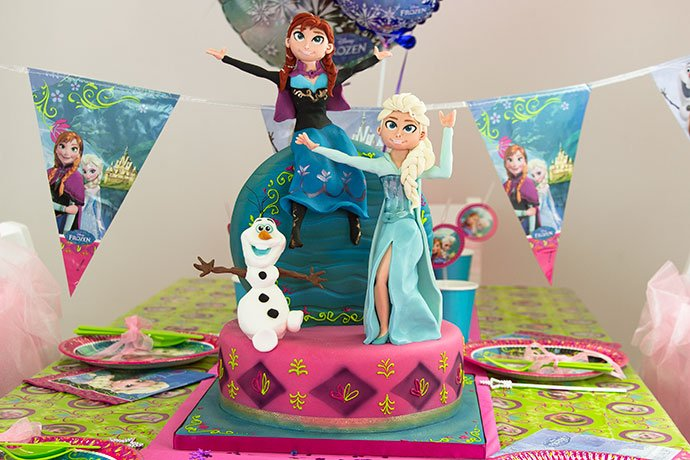 Frozen birthday cake by Richard's Cakes