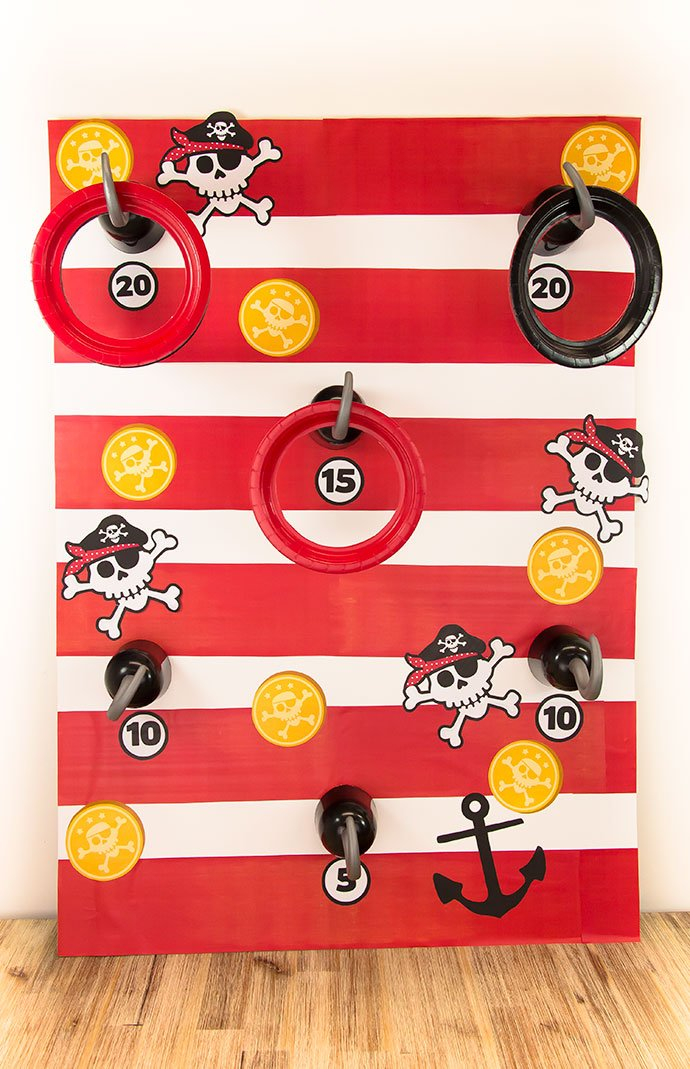 Pirate party games - DIY hook toss game