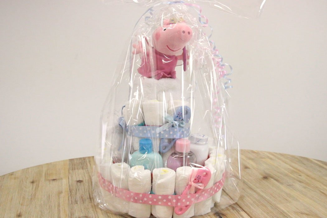 How to make a nappy cake - video tutorial