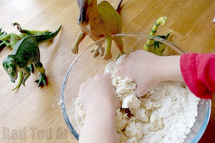 Making Dinosaur Fossil Cookies for a Dinosaur Party