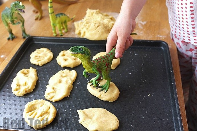 Making dinosaur fossil cookies