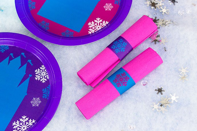 Frozen Tableware for a Party on a Budget
