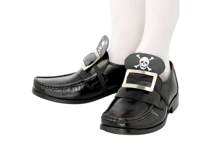 Pirate Shoe Buckles for a Cheap Fancy Dress Costume