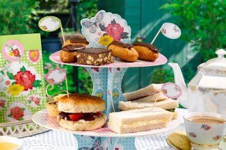 How to Throw a Great British Bake Off Party