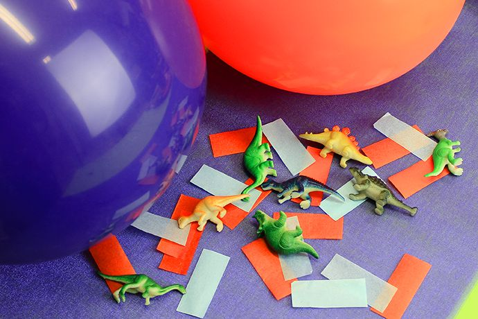 Hatch the Dinosaur Kids Party Game