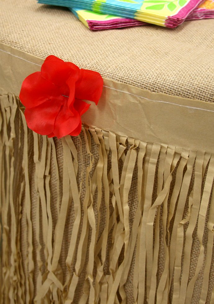 Table Grass Skirt