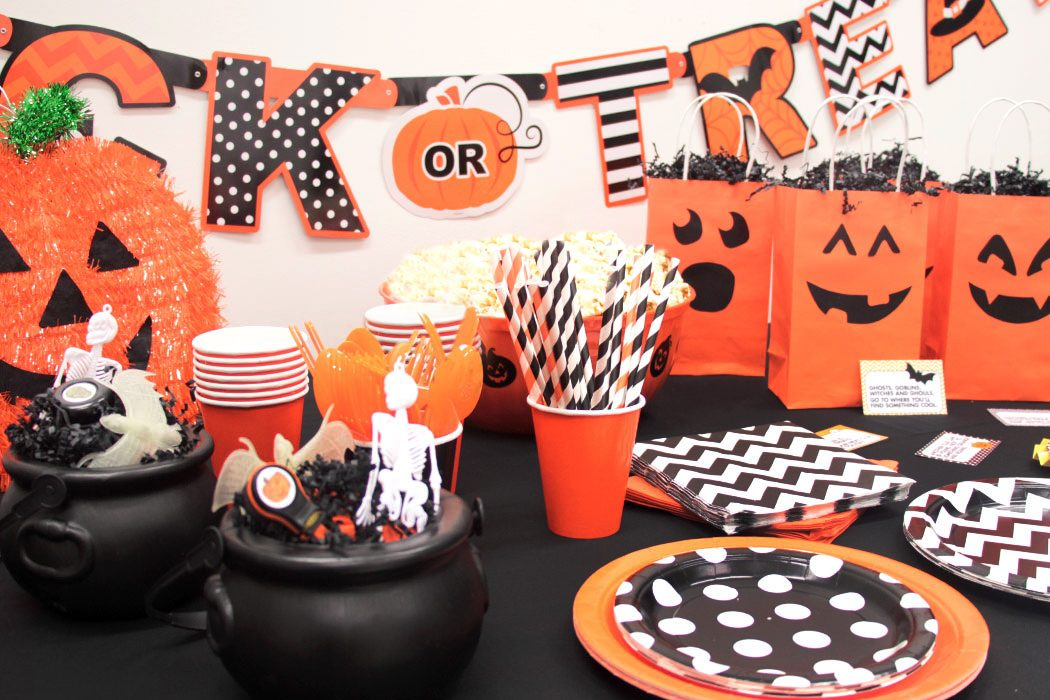 how to throw a halloween party on a budget - Throw A Halloween Party