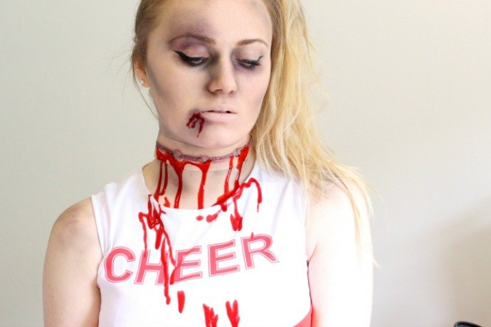 Zombie Cheerleader Face Paint Step 4