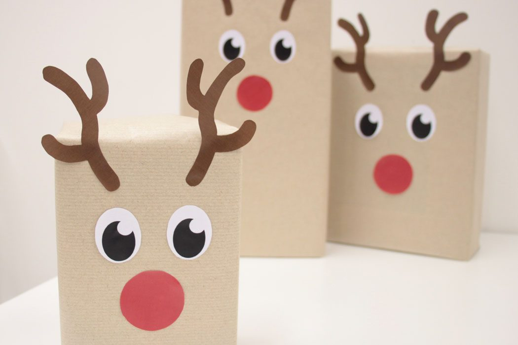 DIY Reindeer Gift Wrapping + Free Printables | Party ...