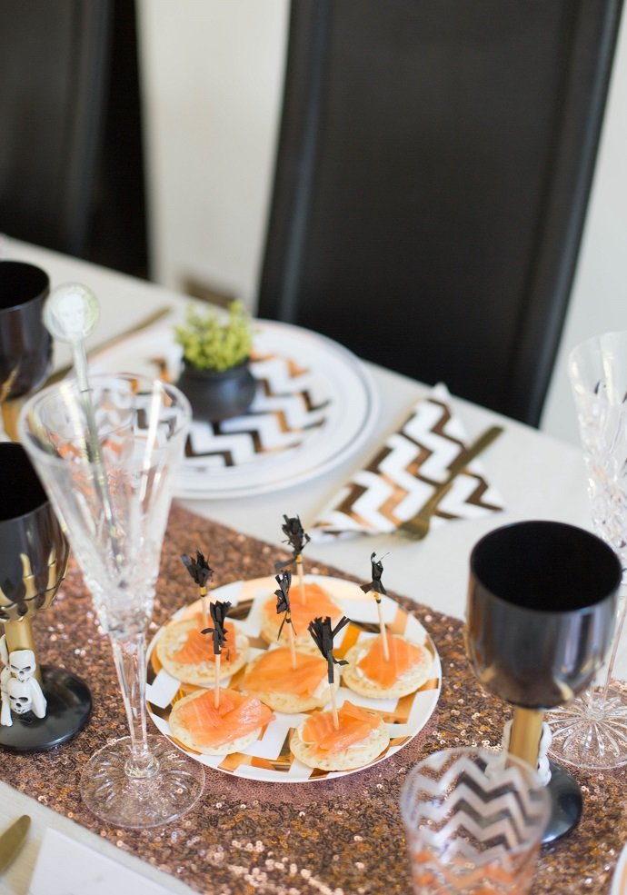 how to host a glam halloween dinner party party delights