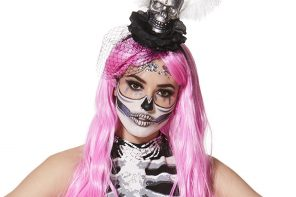 Easy Skeleton Make-Up Tutorial