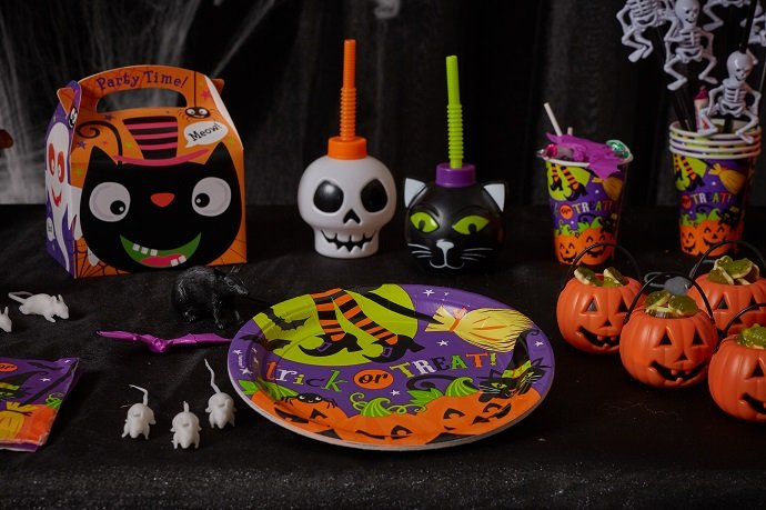 Kids Halloween Partyware