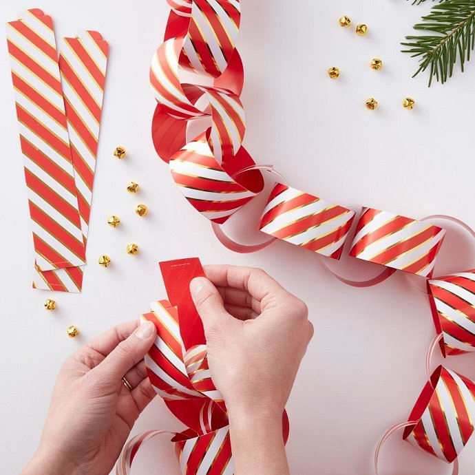 Candy Cane Striped Paper Chain