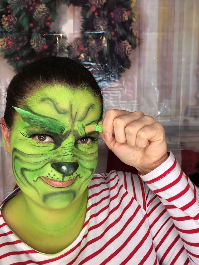 Grinch Face Paint Tutorial 9