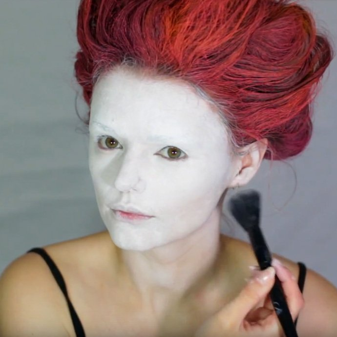 Queen of Hearts Make-Up Tutorial - Step 6