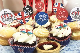 Royal Wedding cake toppers