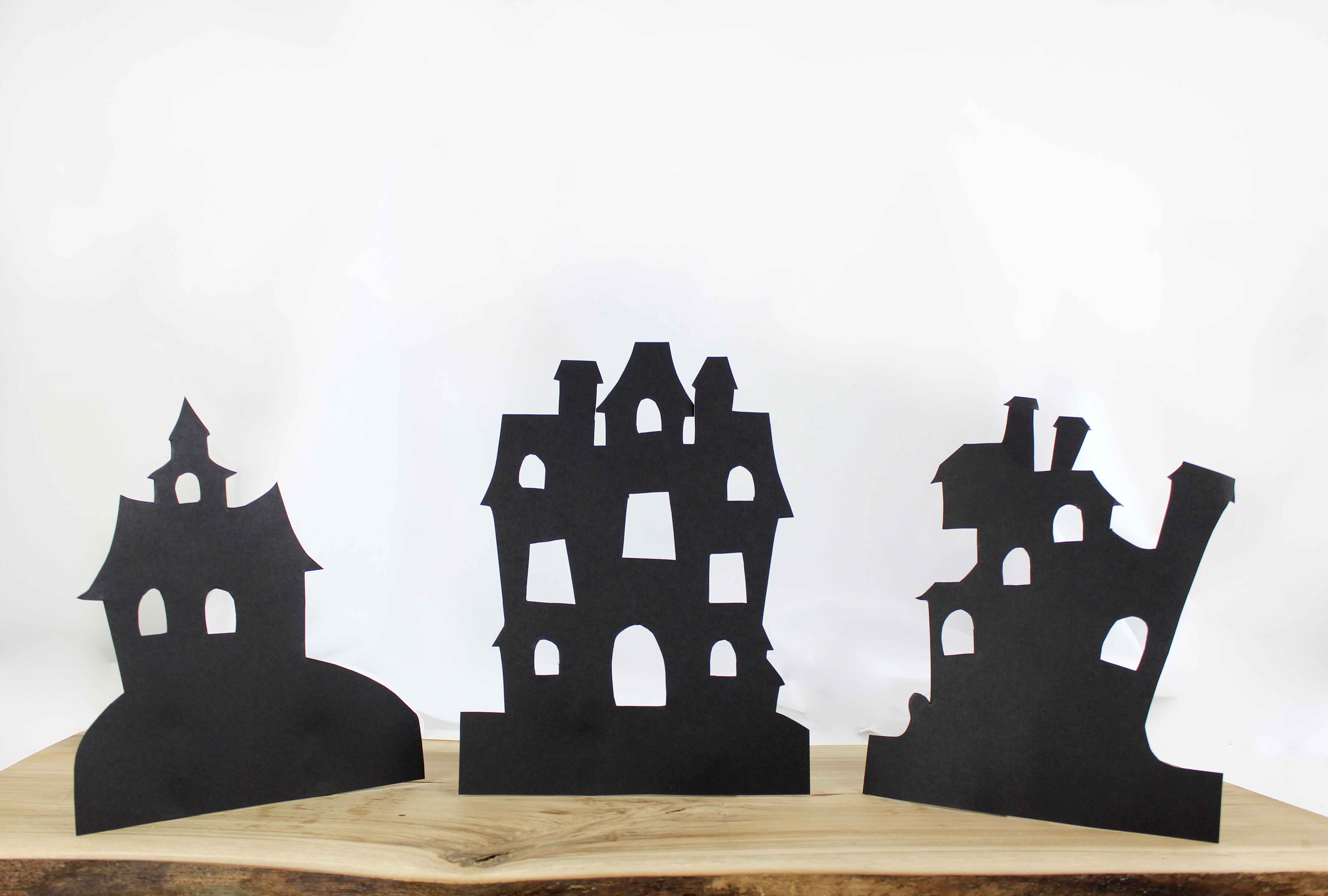 halloween window decorations to spook your guests party. Black Bedroom Furniture Sets. Home Design Ideas