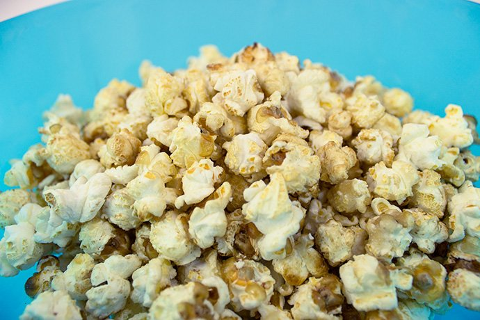 Frozen Party Food Ideas - Popcorn Snowballs