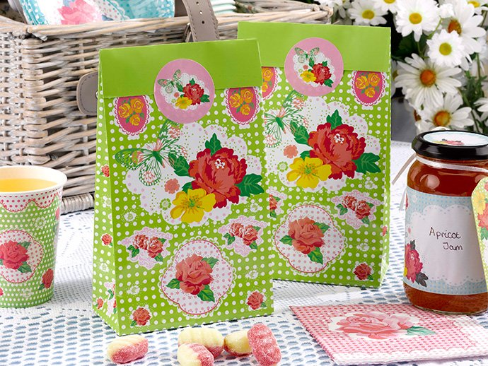 Treat bags for a summer picnic