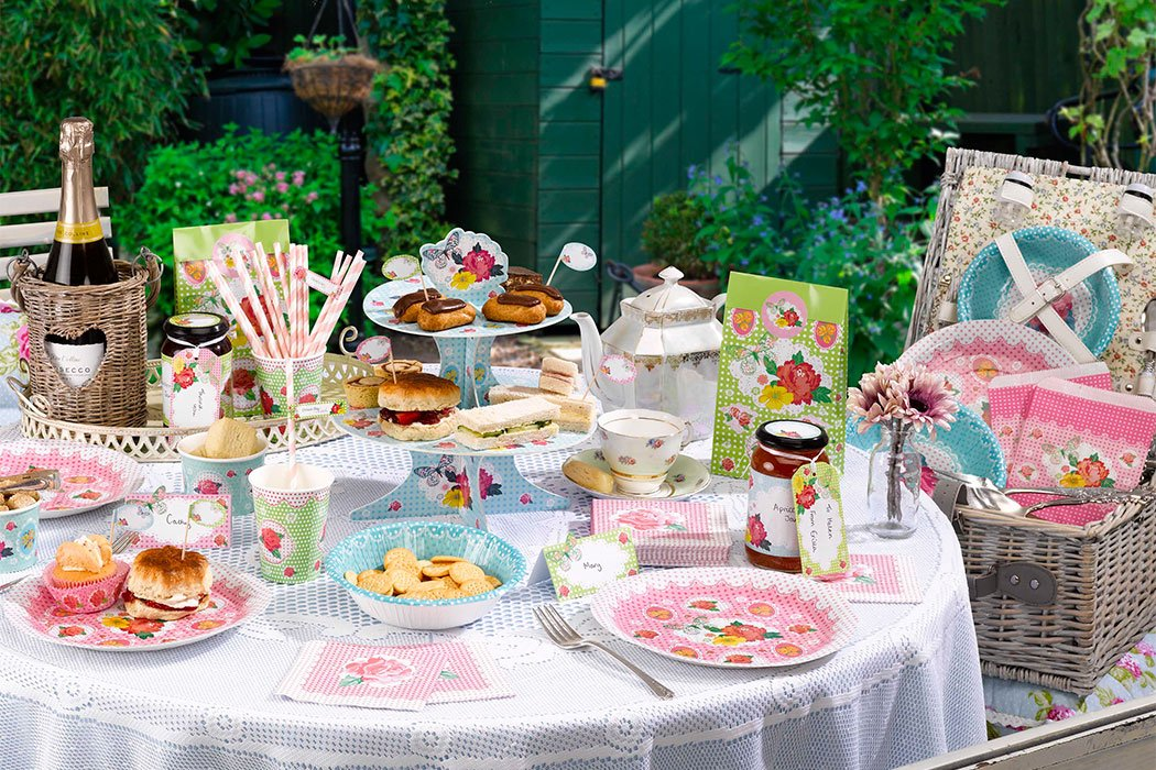 8 Ideas for the Perfect Summer Picnic | Party Delights Blog