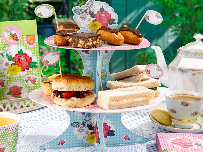 Ideas for a summer picnic - cute cake stand