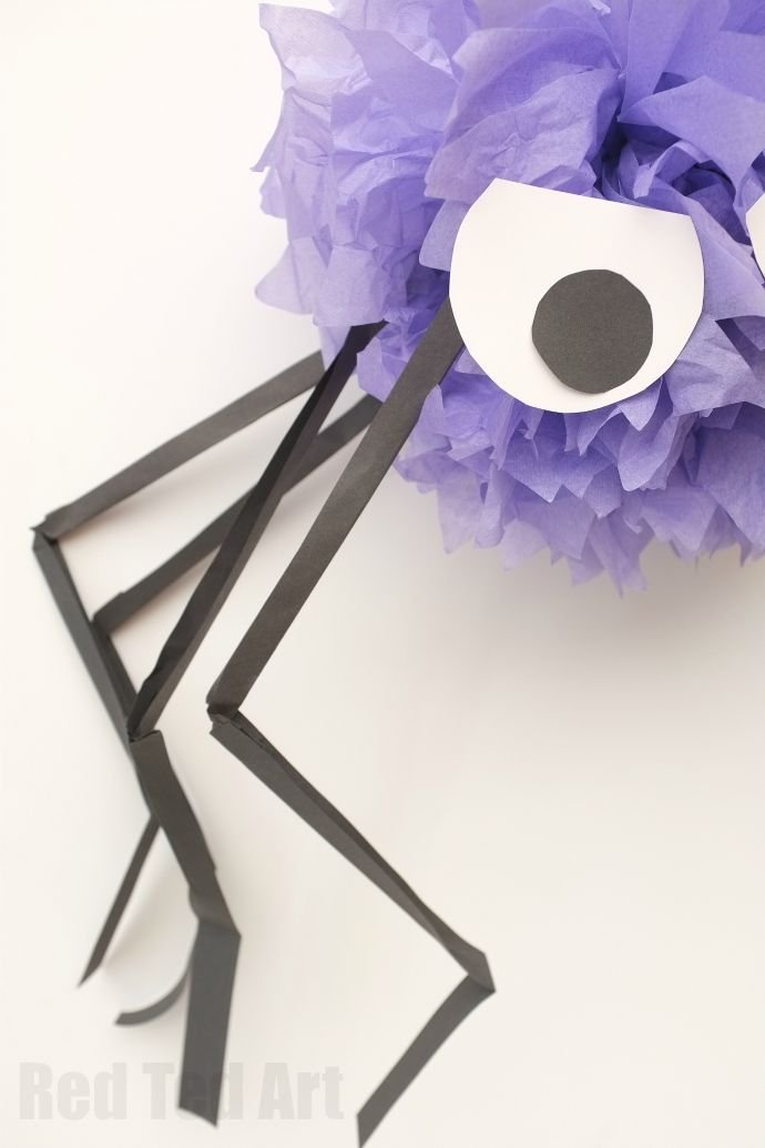 DIY Halloween decorating ideas - Fun Giant Pom Pom Spiders