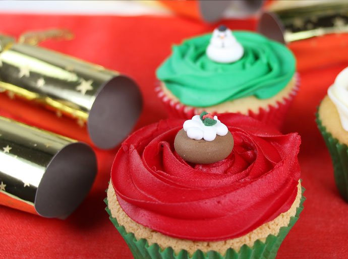 christmas cupcake decorating idea