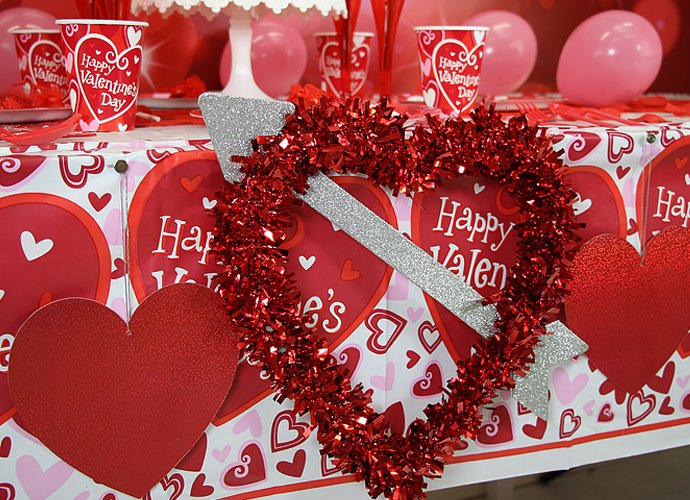 Valentine's Day Party ideas - Heart Decorations