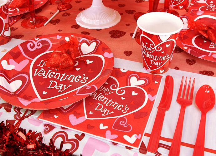 Valentine's Day Party Ideas - Tableware