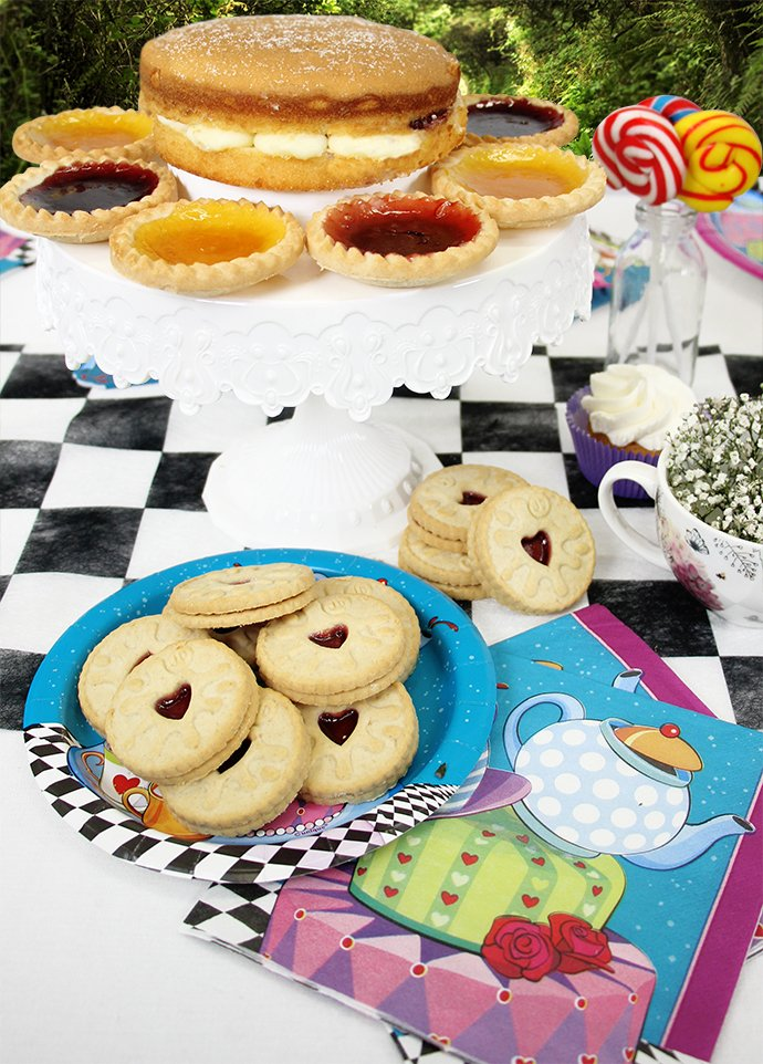 How To Throw A Mad Hatters Tea Party Party Delights Blog