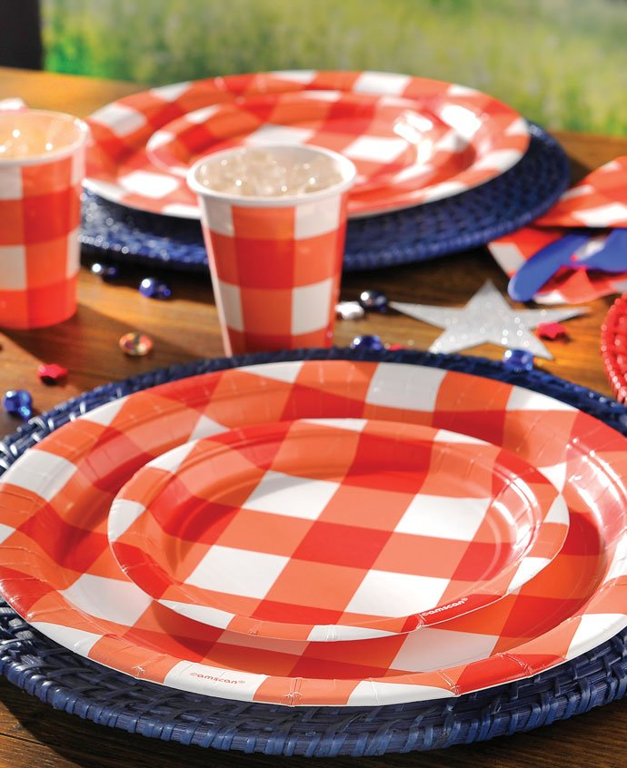 Red Gingham Party Plates