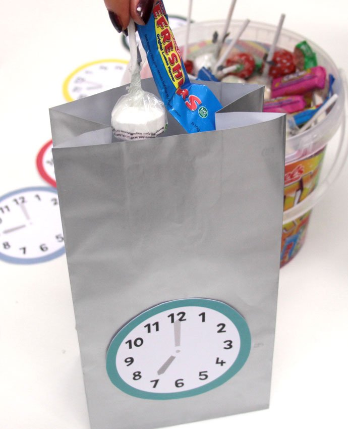 New Year's Eve Countdown Bags - Step 5