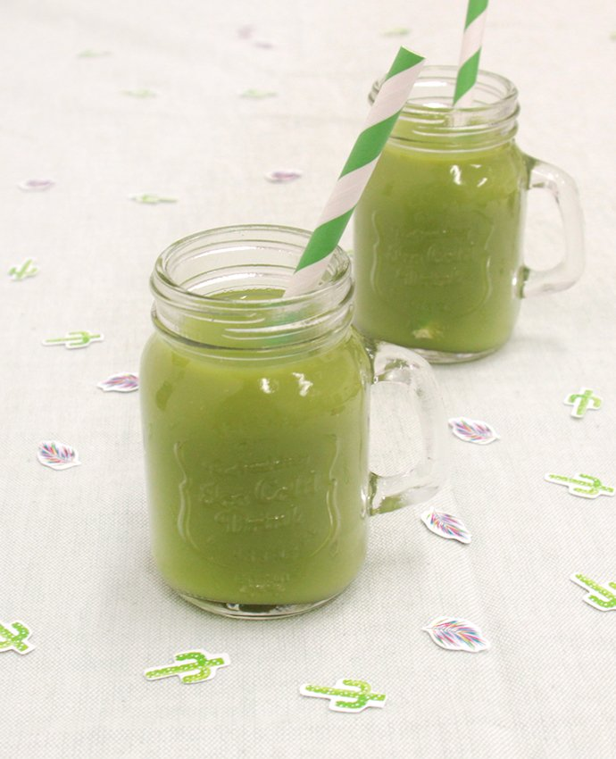 Green Smoothies in Mason Jars