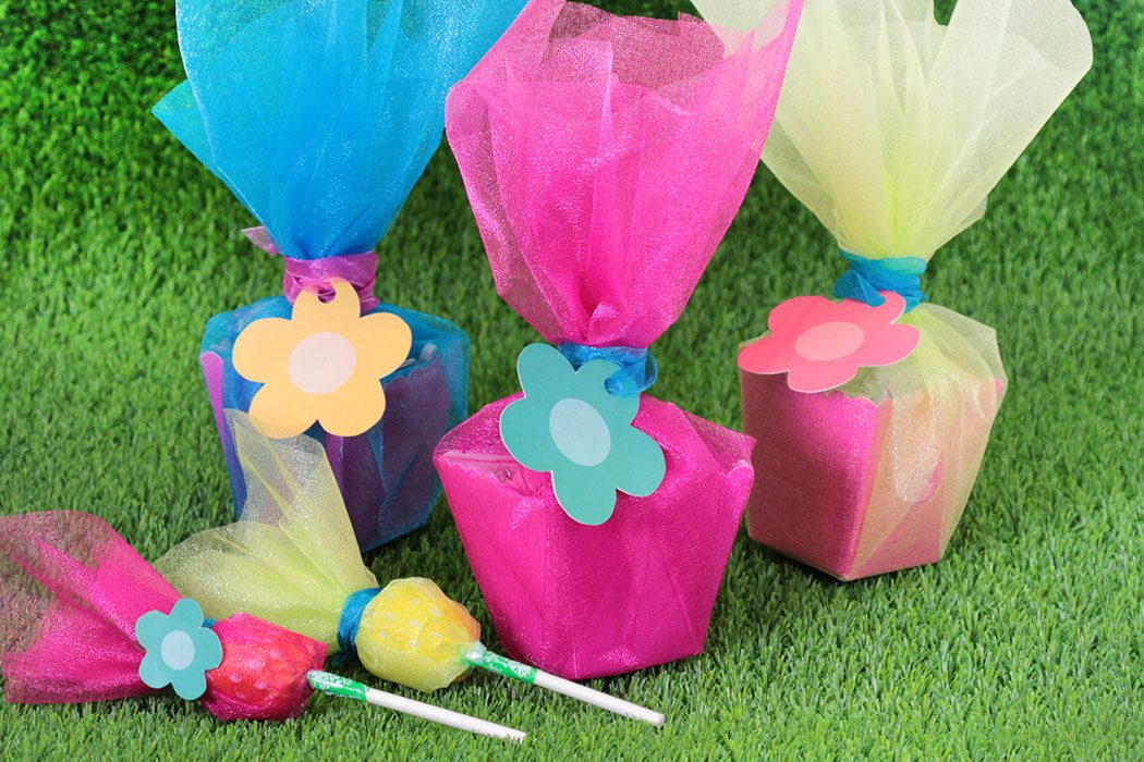 Easy DIY Trolls Party Favours