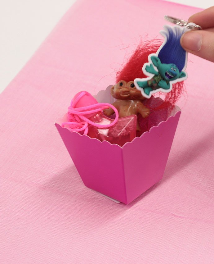 Trolls Party Favours Step 1