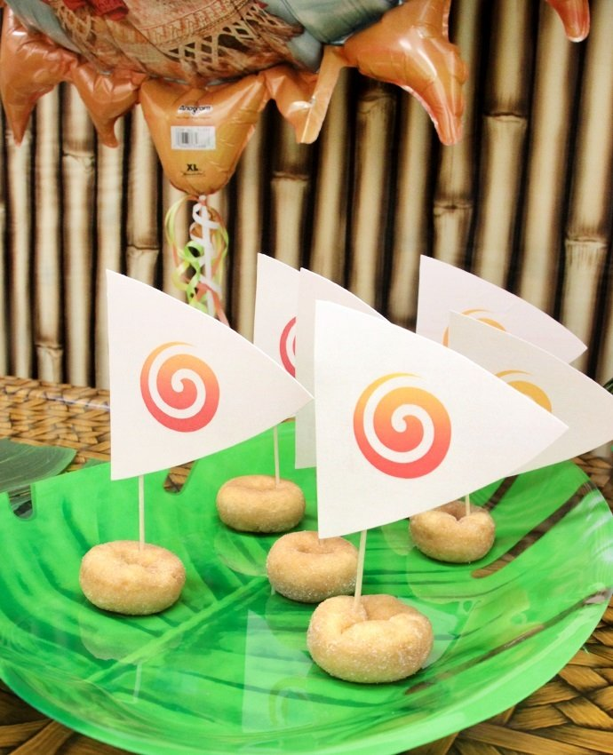 Moana Party Food Idea - Easy Doughnut Boats