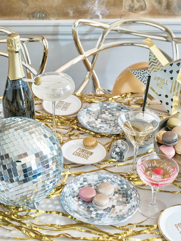 New Years Eve Party Ideas | Festive Macaroon Party Ideas | Our complete list of New Years Eve party ideas from decorations to healthy New Years Eve Recipe! We have rounded up a complete list of everything you need to host the ultimate new years eve party! The perfect party New Year's Eve celebration with your friends or family! #nye #newyears #newyearseve #newyearsevedecor #nyedecor #decoration #decorideas #partyideas #celebration #partynewyears #newyearsrecipes #nyerecipes