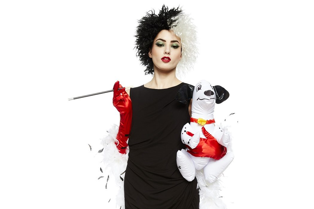 easy homemade cruella de vil costume party delights blog. Black Bedroom Furniture Sets. Home Design Ideas