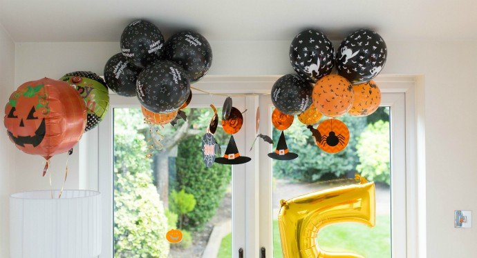 Halloween Party Balloons & Bunting