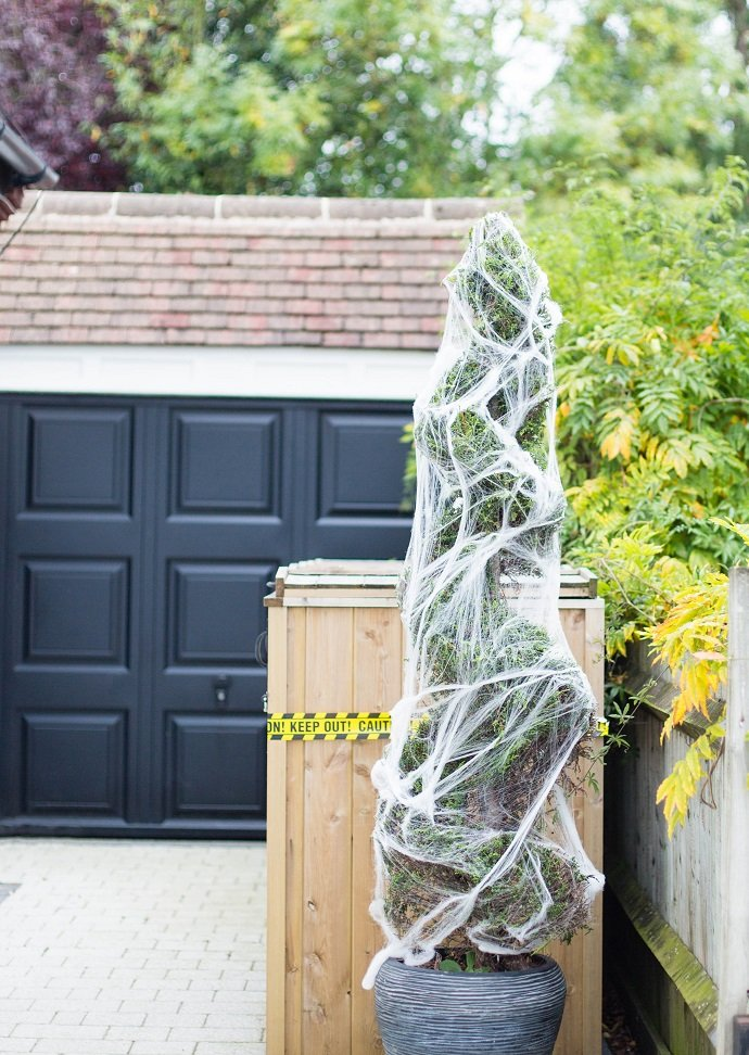 Cobweb Decorations for Halloween