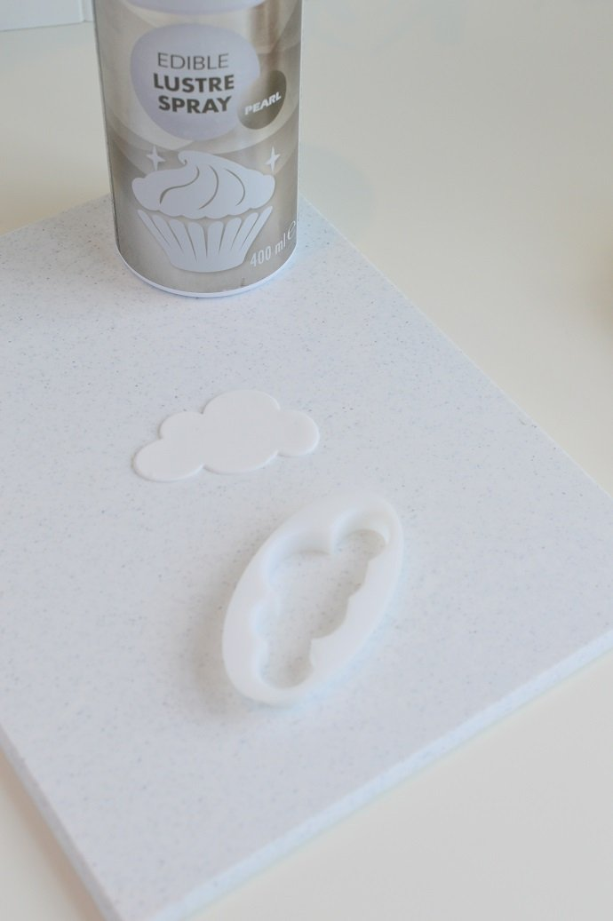 Cloud Icing Cutout