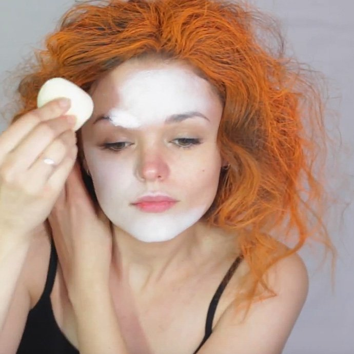 Mad Hatter Make-Up Tutorial 1