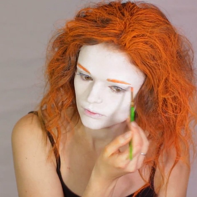 Mad Hatter Make-Up Tutorial 2