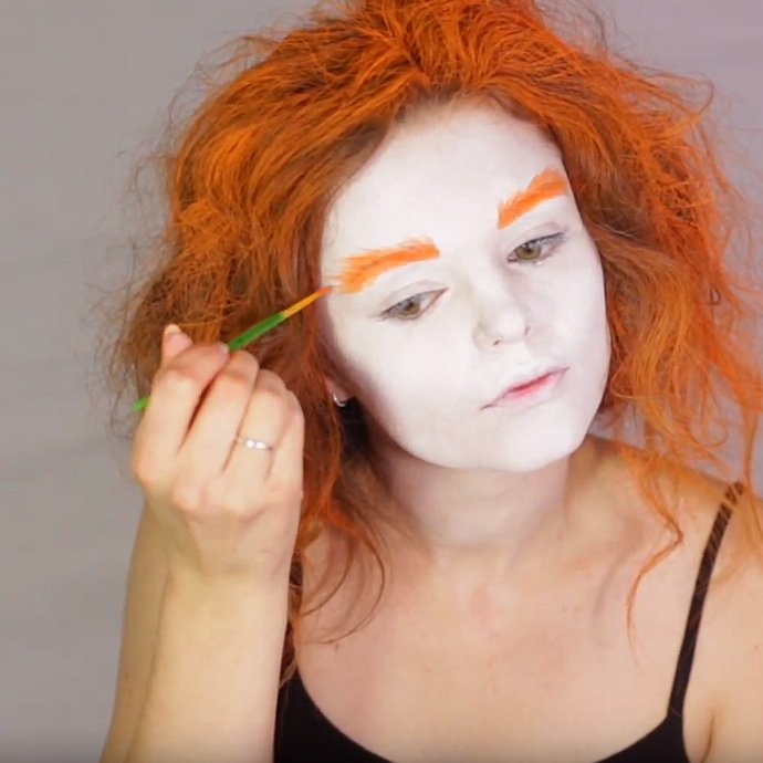 Mad Hatter Make-Up Tutorial 3